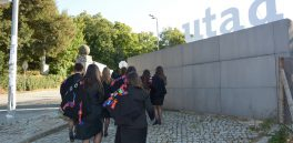 foto alunos a entrar na UTAD